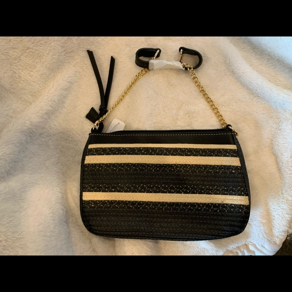 Weave Outing Shoulder Purse